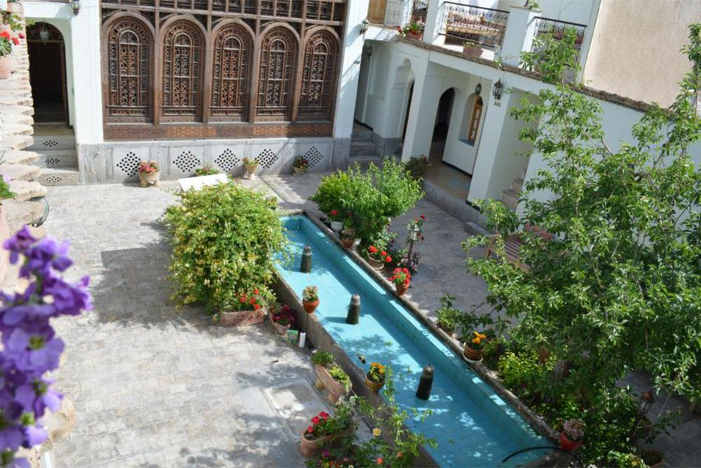 Atigh Traditional Hotel in Isfahan