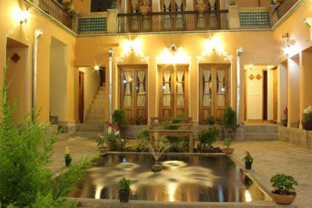 Sunrise Traditional Hotel in Isfahan