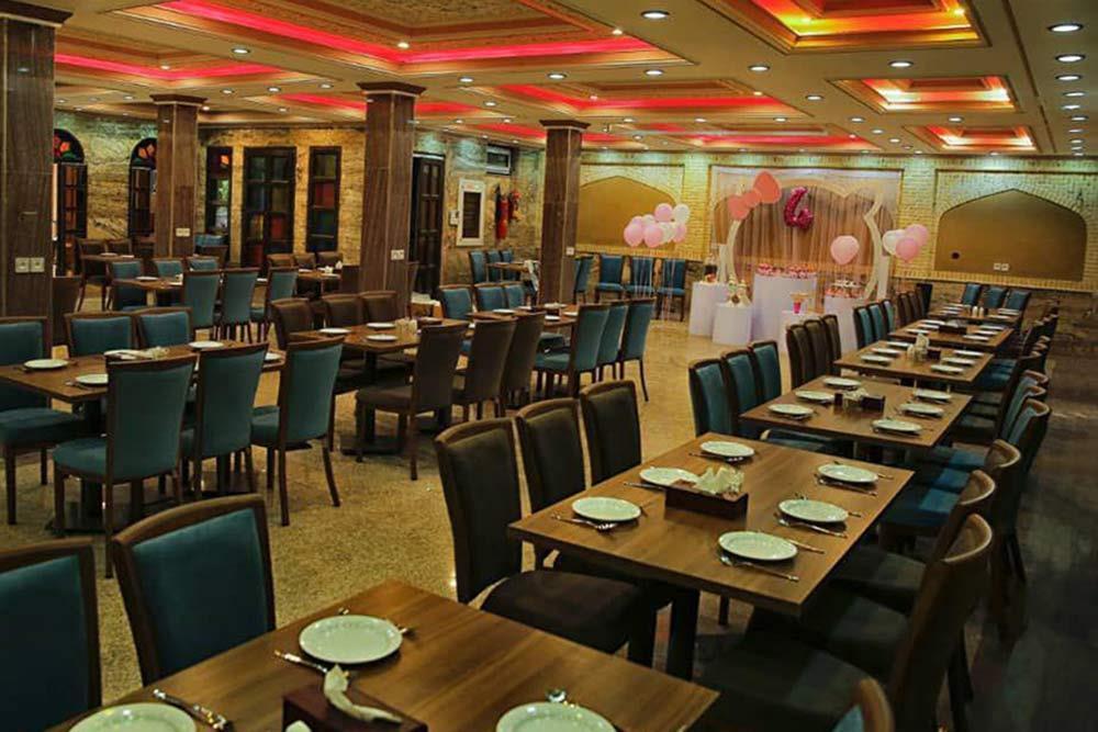 Arg Mohtasham Ghamsar Hotel in Kashan