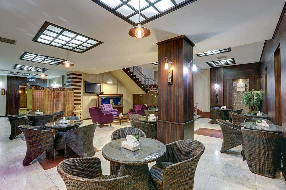 Khorshid Hotel in Qom