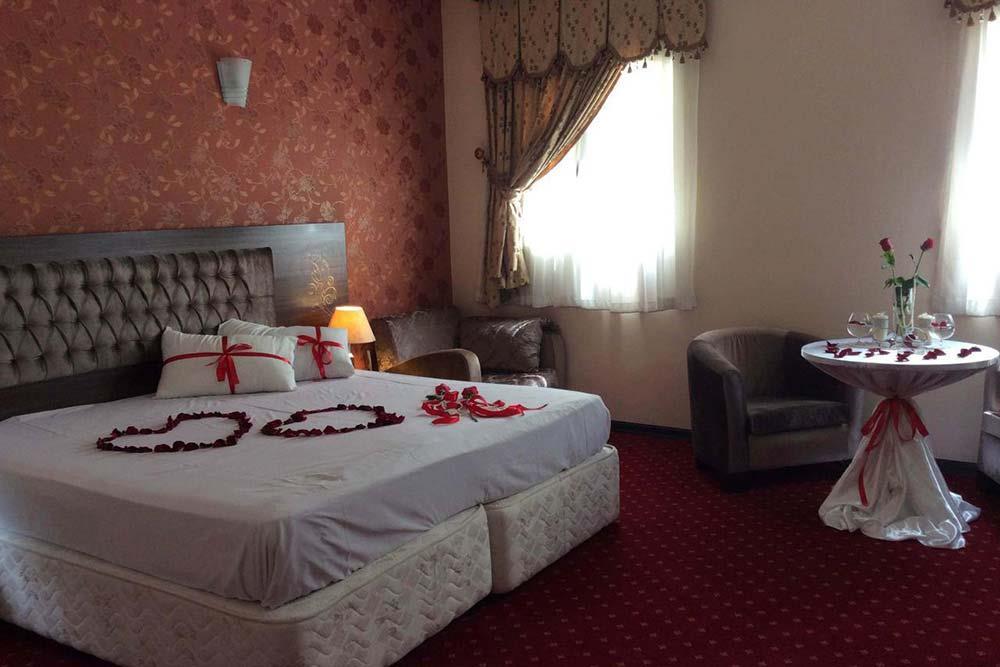 Parsia Hotel in Qom