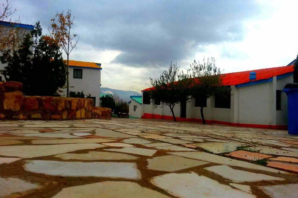 Dena Motel in Shiraz