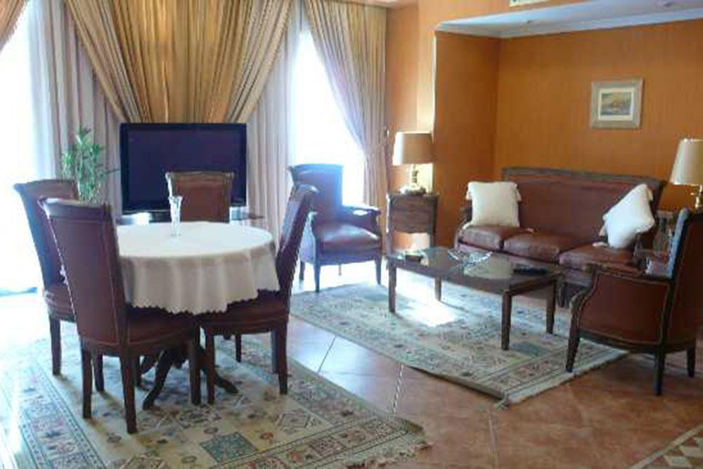 Niloo Hotel in Tehran