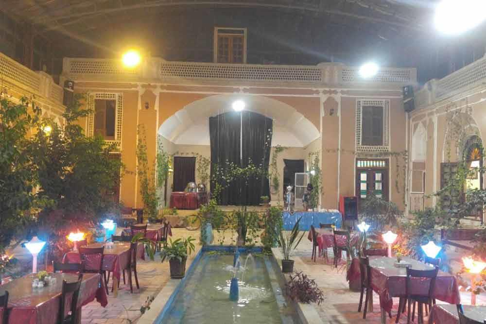 Adib Al-mamalek Traditional Hotel in Yazd