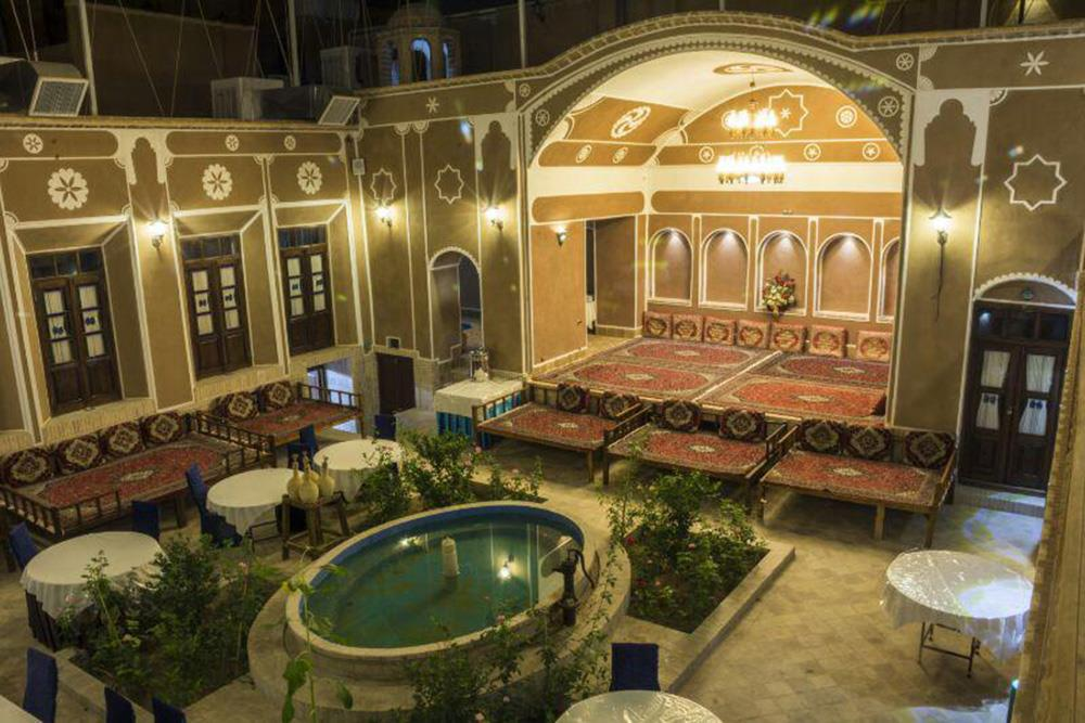 Firoozeh Traditional Hotel in Yazd