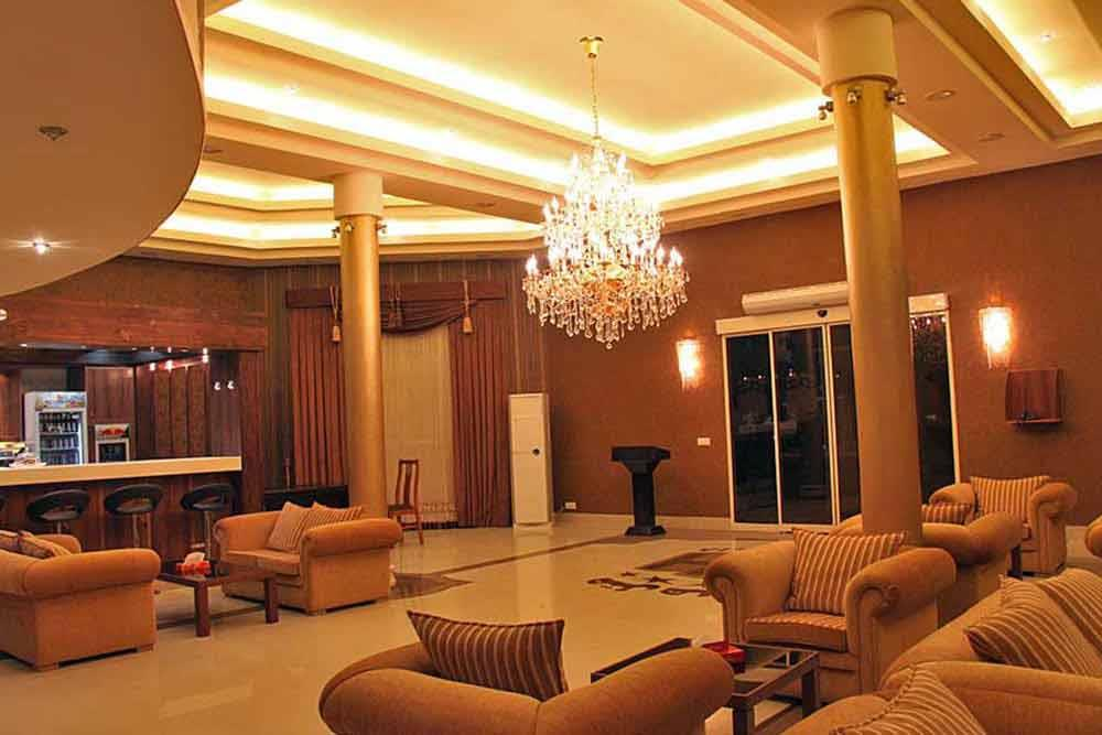 Helia Hotel in Kish