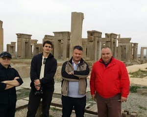 travelers-in-persepolisshirazIran-500x400