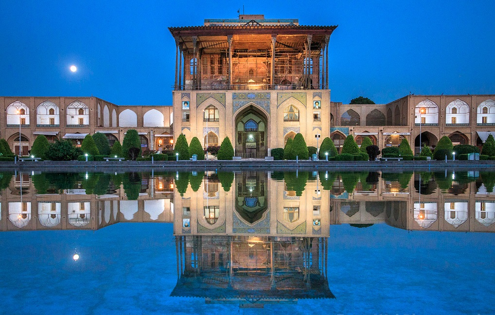 Day 12) Esfahan     Land-drive Duration ca. –