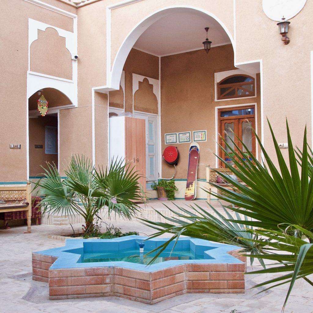 Negaar-negar-inn-Courtyard