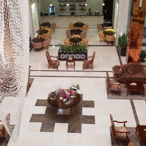 beynolharameyn-hotel-lobby