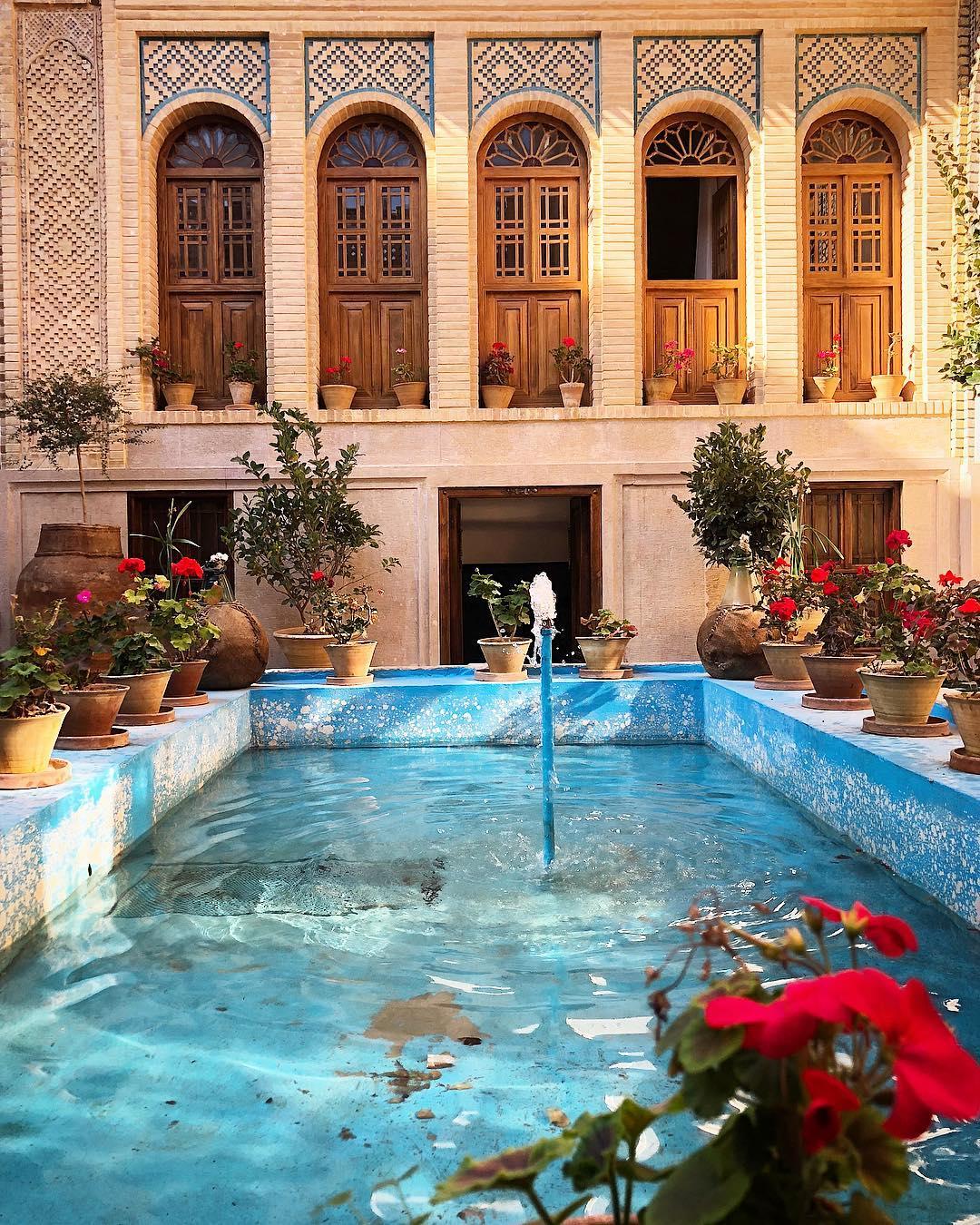 Day 10) Pasargadae - Shiraz