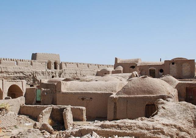 Day 2: Varzaneh-Ghoortan-Isfahan