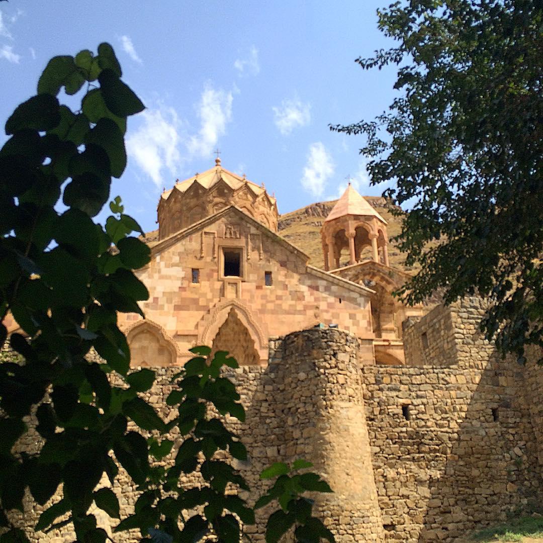2 ° giorno: Un escursione verso a Jolfa, la confine di Iran-Armenia