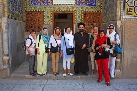 Giorno 1: Arrivo all'aeroporto IKA - Trasferimento a Isfahan