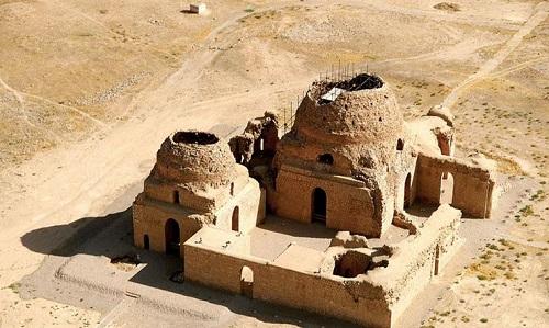 Giorno 11: Shiraz-Sarvestan-Kerman (oltre 7 ore)