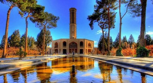 Day 12: Visiting Dowlat Abad Garden that is well-known for its high wind catcher