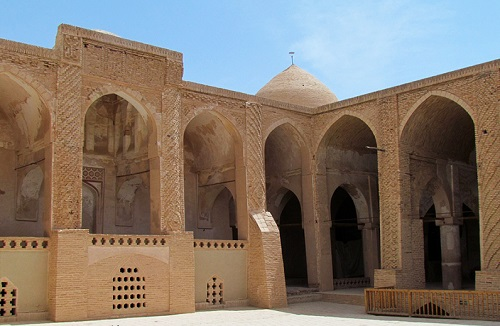 Day 15: Visiting one of the Oldest Mosques of Iran