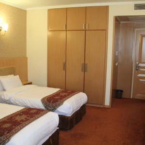 saina hotel room