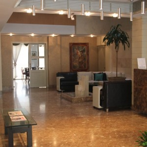 saina hotel.reception
